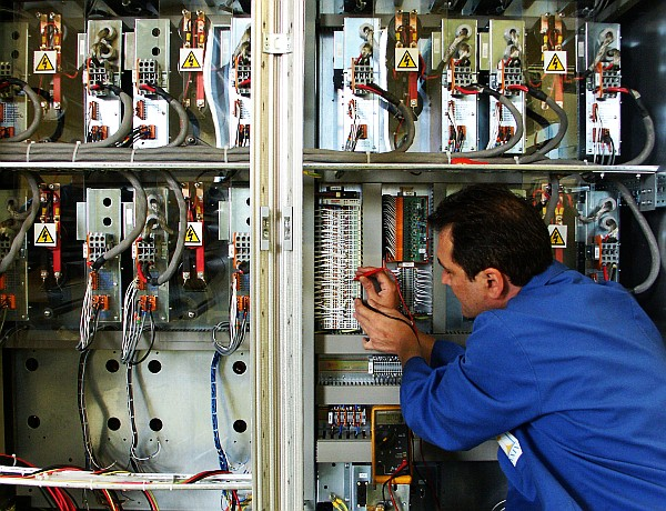 control panel wiring time 24 limited control panel electrical wiring basics time 24 have certificated trainers developing our staff to work at the highest levels of ipc whma a 620 workmanship standards many of our customers not